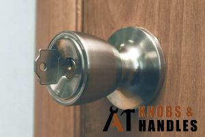 jammed-key-door-knob-handle-installation-a1-knobs-&-handles-singapore