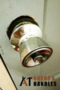 loose-metal-door-knob-handle-installation-a1-knobs-&-handles-singapore